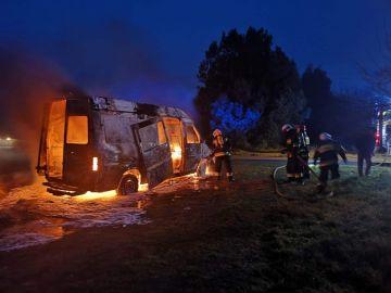 Pożar samochodu dostawczego w Zadwornej....
