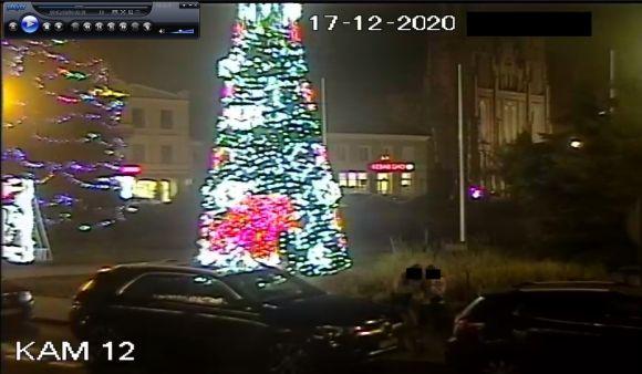 Zniszczono świąteczne ozdoby na pl. Wojska...