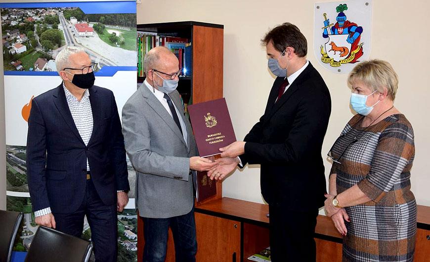 Umowa na odbiór odpadów w gminie Tulliszków podpisana