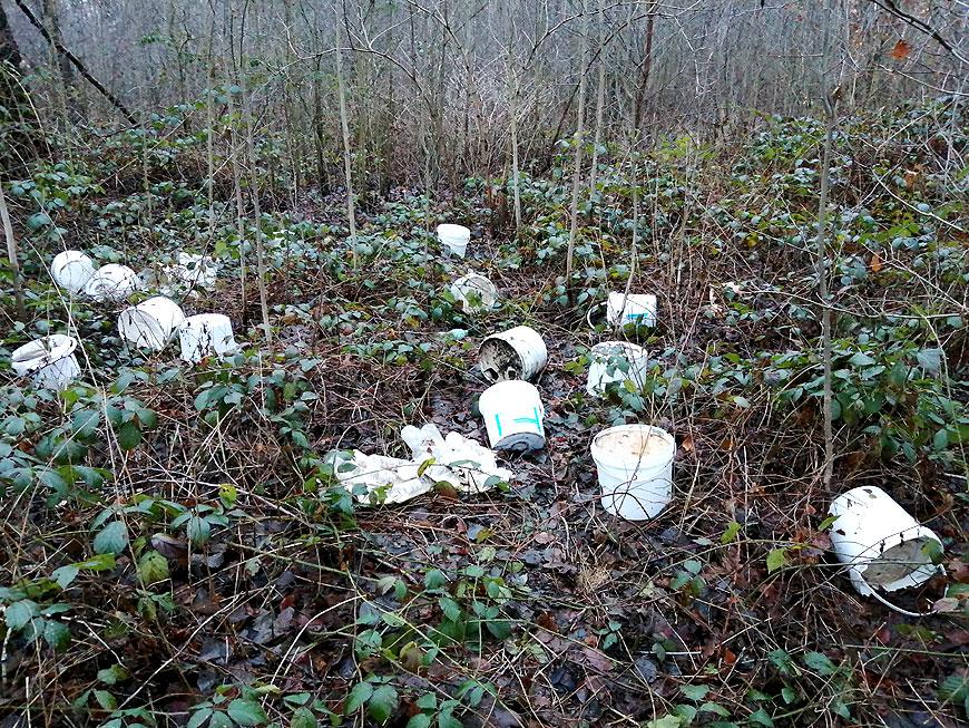 Kolejne niechlubne znalezisko w lasach na terenie powiatu