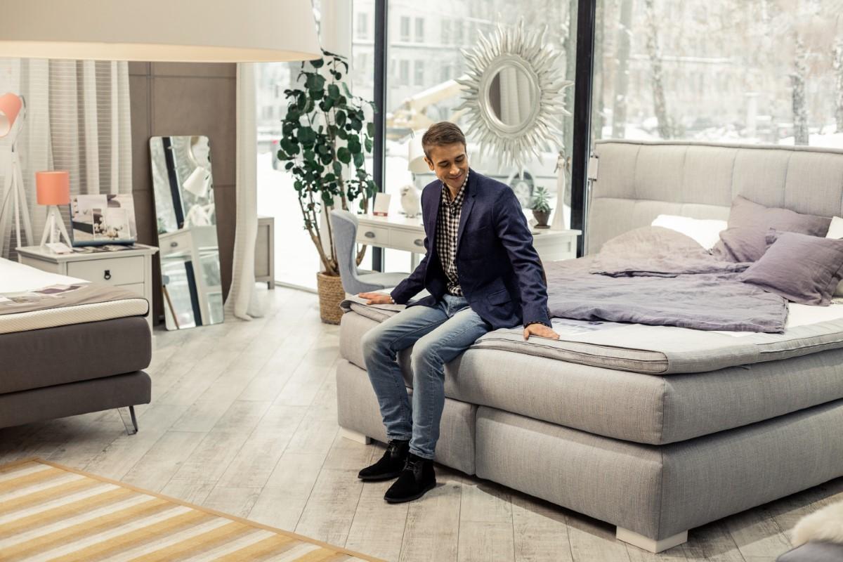 Jakie materace zapewniają najwyższy komfort snu?
