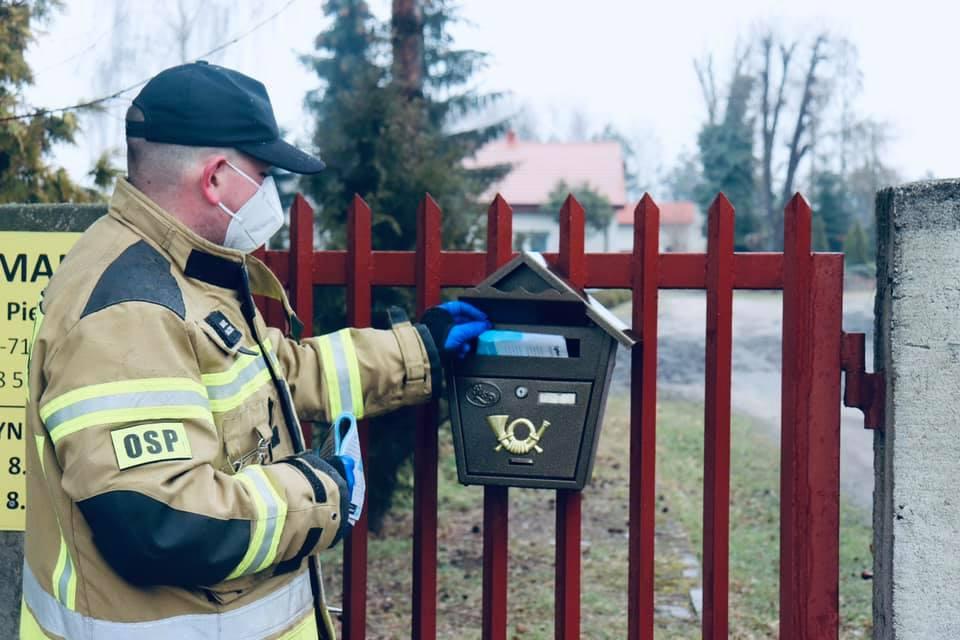 Strażacy z powiatu wspierają Narodowy Program Szczepień. - fot. OSP Władysławów