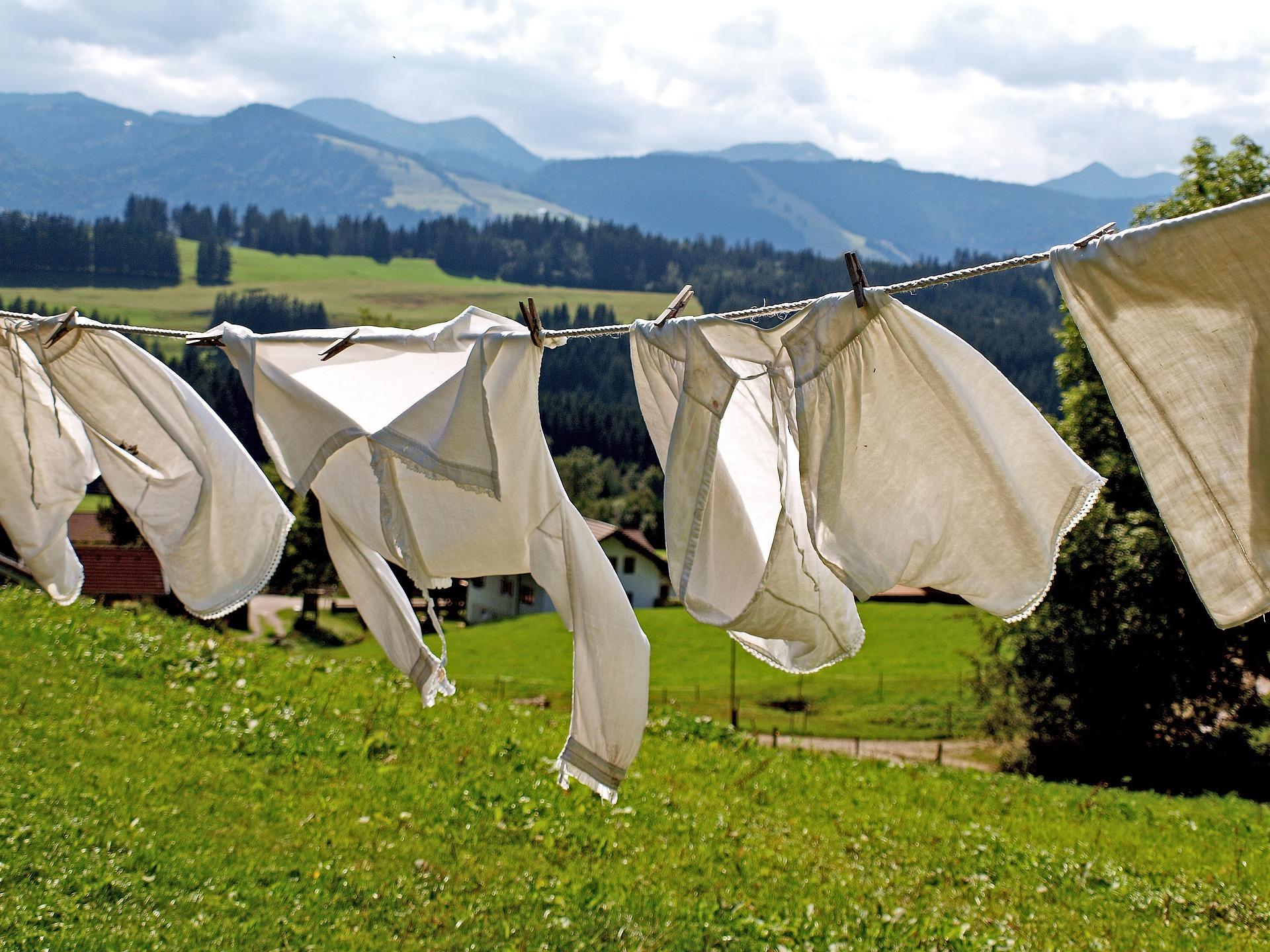 Jak szybko wysuszyć spodnie i inne części garderoby?