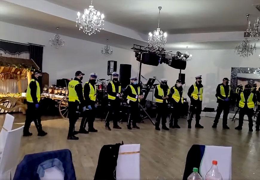 Policyjna interwencja zakończyła przyjęcie weselne w Malanowie. Wylegitymowano 81 osób. - fot. nadesłane przez Czytelnika
