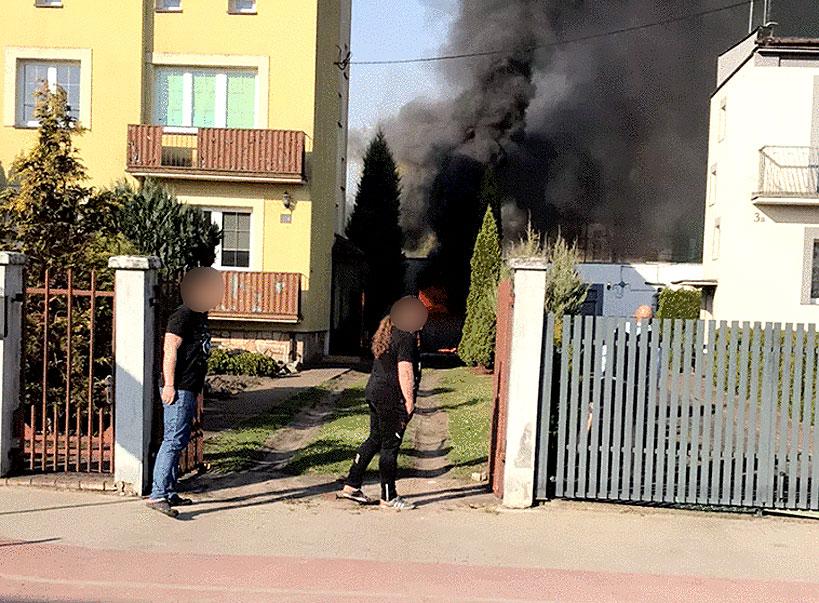 Niedzielny pożar garażu na Chopina. Spłonął...