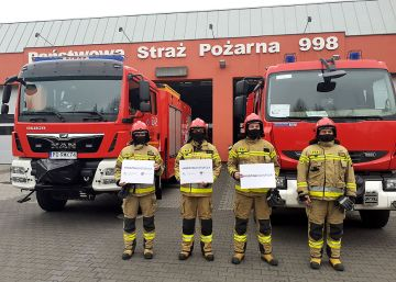 Strażacy z PSP Turek wspierają rodzicielstwo...