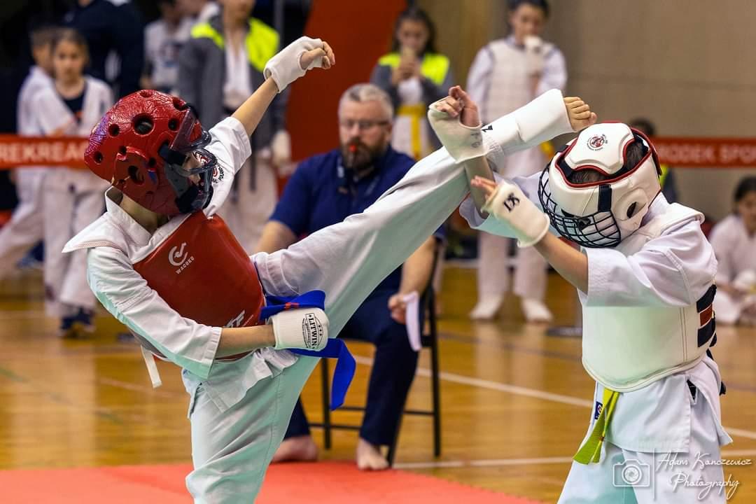 Ponad 370 zawodników walczyło w XXX Pucharze Wielkopolski Karate Kyokushinkai w Turku.
