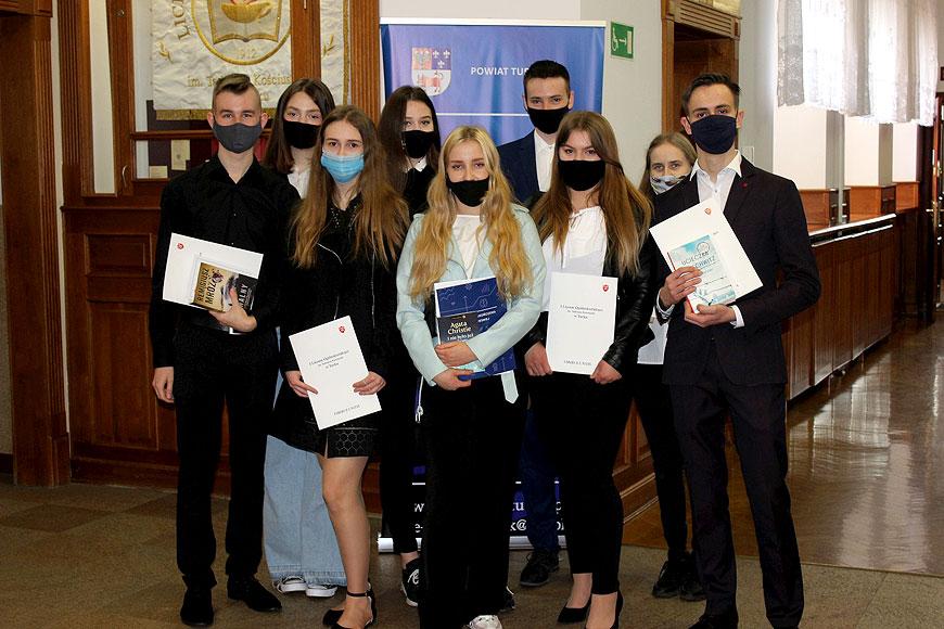 Uroczyste wręczenie świadectw uczniom klas trzecich I Liceum Ogólnokształcącego w Turku
