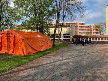 Strażacy wspierają Punkt Szczepień Powszechnych w Turku