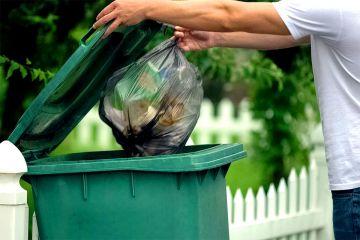Ile miesięcznie ton śmieci produkują...