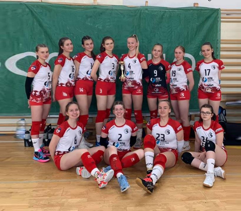 Młodziczki z UKS Piątka 5-tą drużyną Wielkopolski w piłce siatkowej.