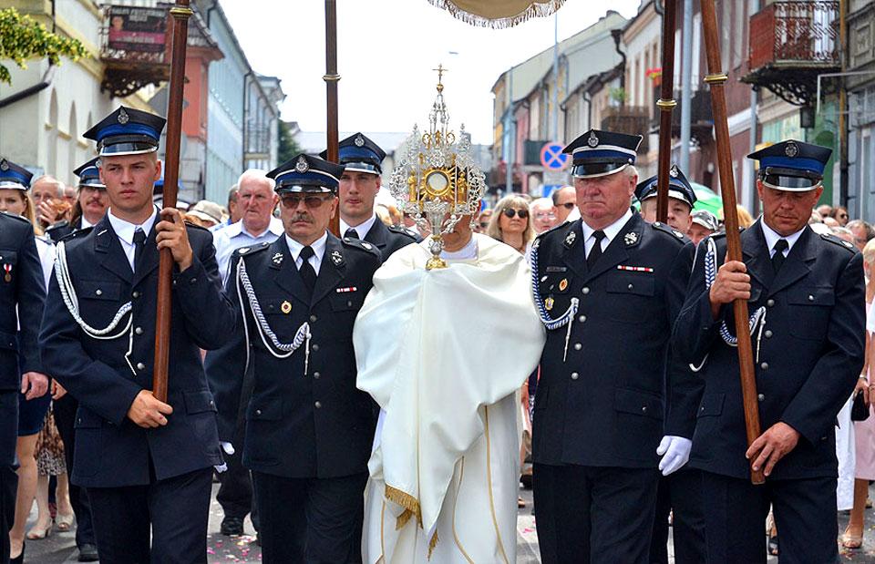 Procesje tylko wokół kościołów. Boże Ciało 3 czerwca w okrojonej formule. - fot. Archiwum Turek.net.pl