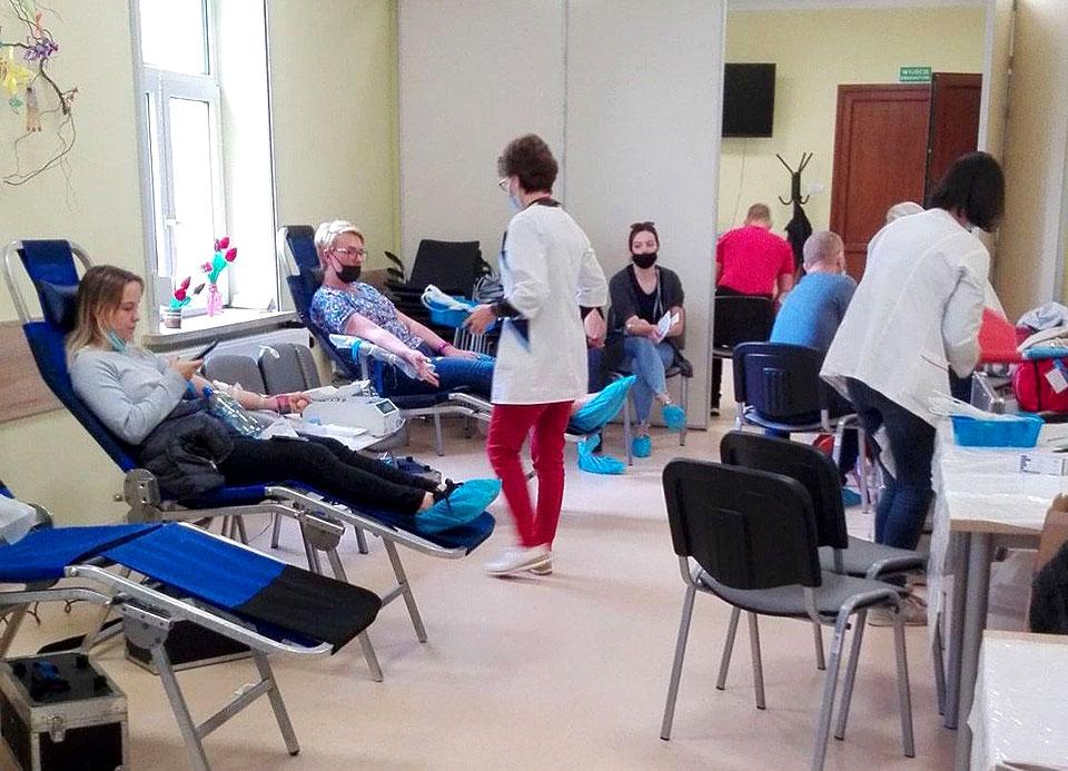 Turkowianie nie zawiedli. Kolejny udany pobór krwi z klubem HDK PCK  im. Kard. Stefana Wyszyńskiego