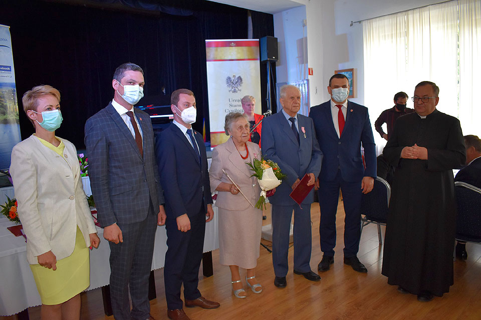 Jubileusz pożycia małżeńskiego 22 par z gminy Dobra.