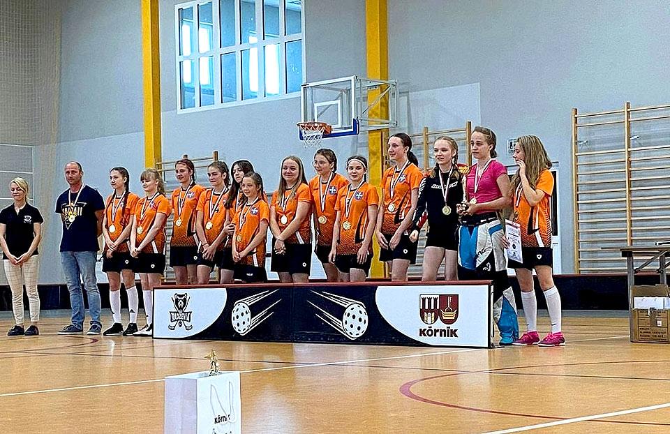 Młodziczki GKS Kasztelani Brudzew Mistrzyniami Wielkopolski w Unihokeja.