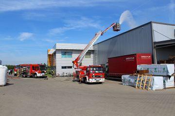 Strażacy ćwiczyli w firmie Drewtur