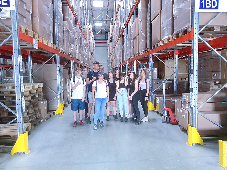 Uczniowie ZSR poznawali tajniki branży TSL w Ambro Logistics