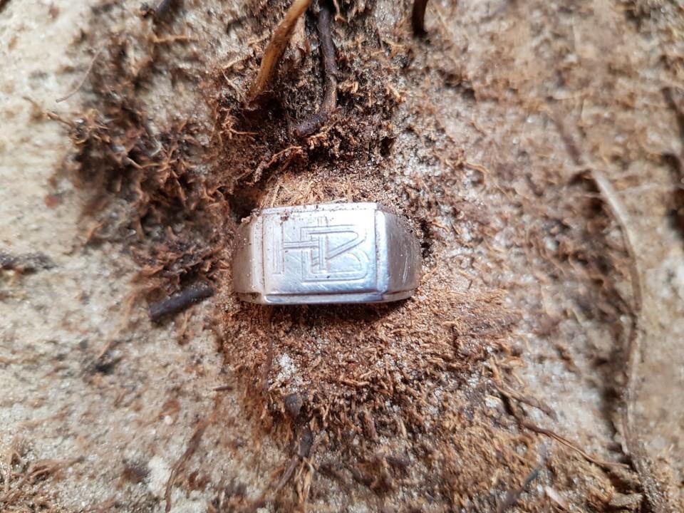 Niecodzienne odkrycie we Wrzącej. Prace ekshumacyjne archeologów z grupy Pomost zakończone! - Źródło: strona POMOST na Facebooku