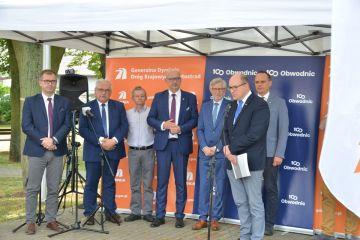 Umowa na projekt i budowę obwodnicy Grzymiszewa...