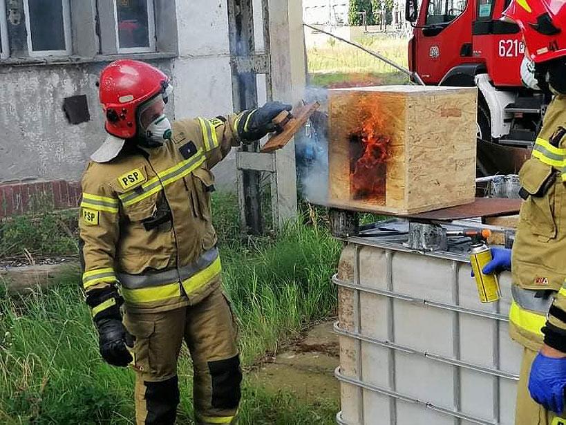 Strażacy z jednostek KSRG ćwiczyli w kompleksie Elektrowni Adamów