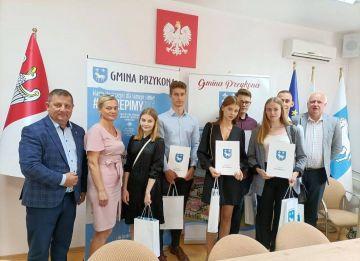 Stypendia dla młodzieży z gminy Przykona