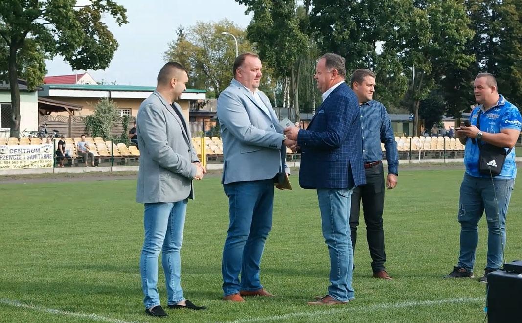 Paweł Młynarski odznaczony Złotą Honorową Odznaką Wielkopolskiego Związku Piłki Nożnej