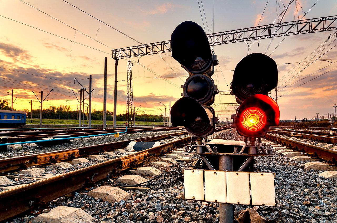 Ruszają konsultacje z mieszkańcami powiatu w ramach budowy nowej linii kolejowej Turek-Konin. - fot. envato.com / den-belitsky
