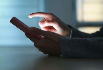 Uwaga na fałszywe SMS-y o
