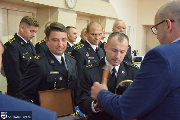 Miasto Turek: Podziękowania i gratulacje dla strażaków podczas XXXI sesji Rady...