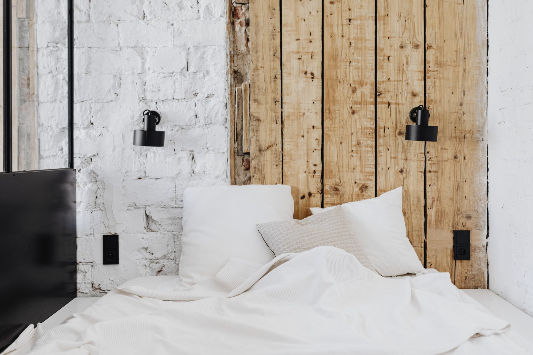 Szerokość łóżka a szerokość materaca - jak je dopasować?