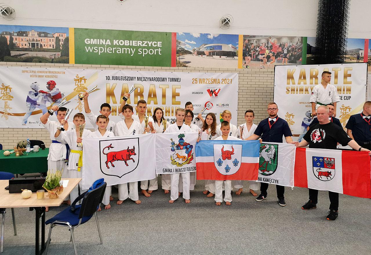 KSiSW zdobywa 13 pucharów w Międzynarodowym Turnieju Karate