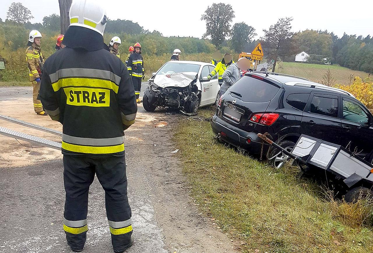 Zderzenie Nissana i Skody na skrzyżowaniu w Tarnowskim Młynie. - fot. Nadesłane przez czytelnika