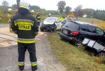 Zderzenie Nissana i Skody na skrzyżowaniu w...