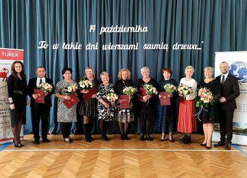 Kwiaty, życzenia i gratulacje w Dzień Edukacji...